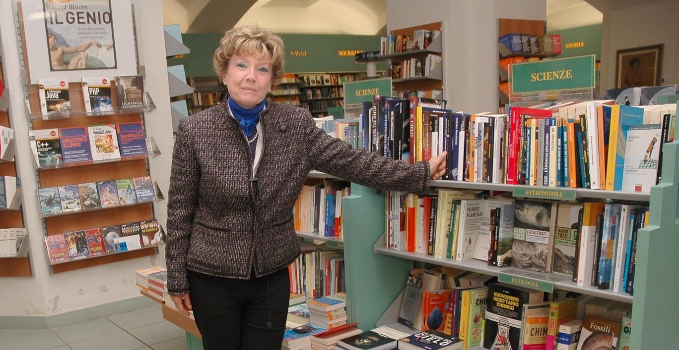 """Dacia Maraini presenta a Praga il suo ultimo libro """"La grande festa""""."""