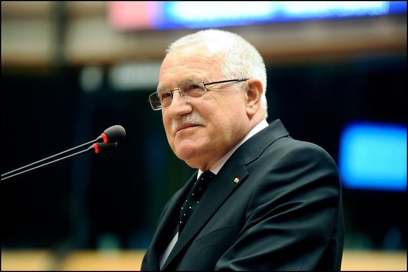 Prezident Václav Klaus škodí reputaci Česka v zahraničí? (CZ, IT)