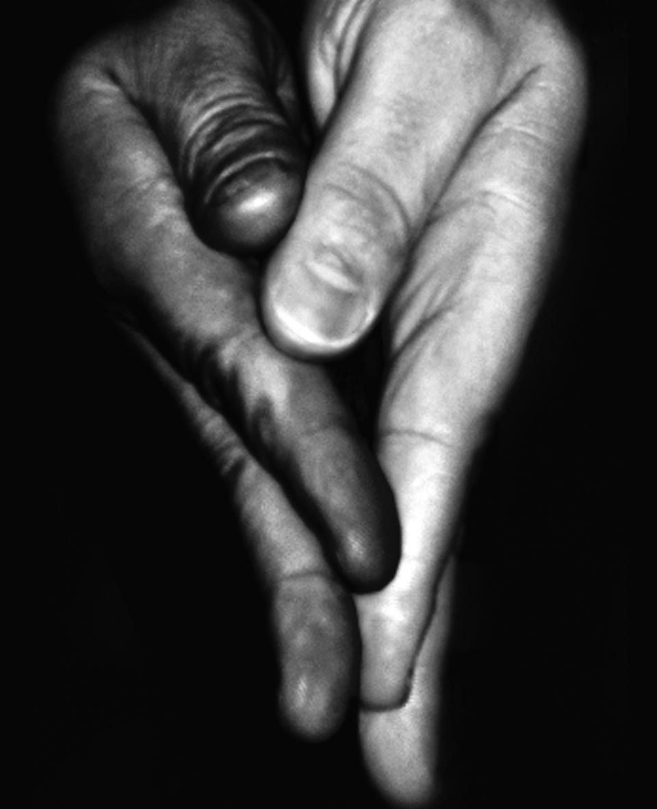 """""""La vite lambrusca"""" e """"Mani"""". Fotografie di Stefano Cianci"""
