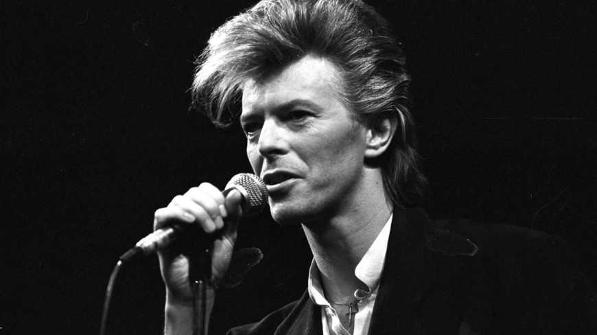 Musicafé, suoni dal Mondo, n.7 David Bowie e la voglia di crederci, in Lazzaro