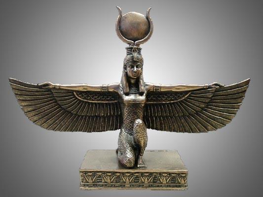 Influenza e vestigia delle scienze esoteriche egizie a Napoli.