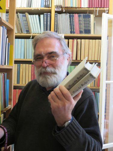 """La Biblioteca """"proibita"""" nel cuore di Praga."""